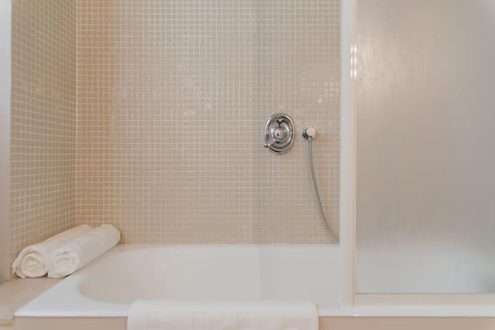 Vasca da bagno/doccia
