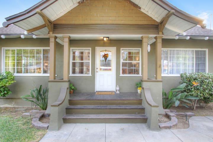 Great Pasadena House & Yard