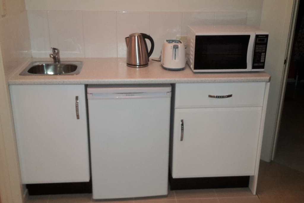 Kitchenette with Microwave,tea and coffee facilities and toaster