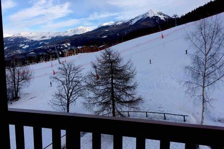 Ski-in/ski-out Duplex for 6 La Plagne Montalbert