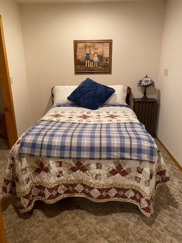 2nd bedroom-double bed