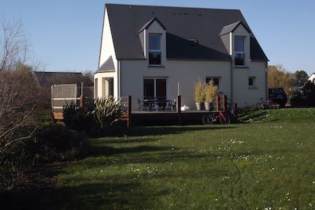 Villa avec grand jardin/mer à 300 m - Saint-Jean-de-la-Rivière