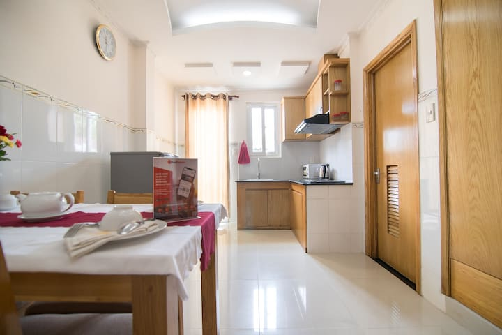 Superior Double Room, Central District 1