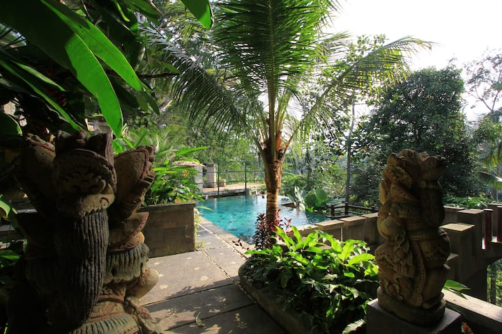 #5 Cozy B&B  with AC, and shared pool at The Iyang