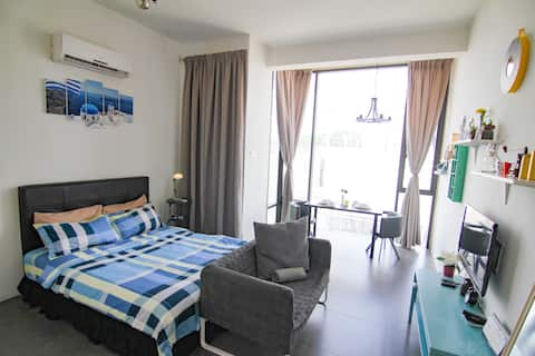 *Santorini* [ 100mpbs/ Netflix  ] by Cities Homes