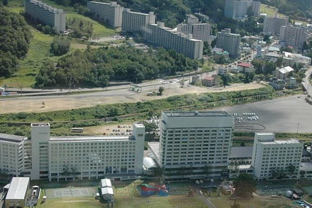 苗場プリンスホテルと苗場ヴィラ Naeba Prince Hotel & Naeba Villa
