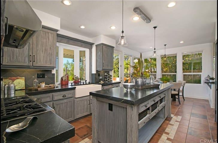 Sunny House - Lake Forest - Vila