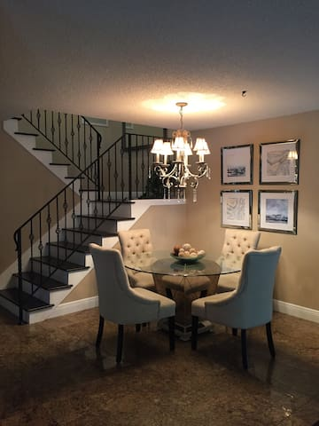 READY AND WAITING FOR YOU ~ 3 / 2.5  townhome!