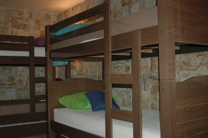04 camas solteiro