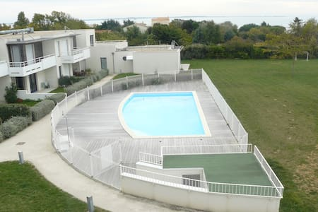 Appartements maisons et villas avec piscine for Chatelaillon piscine