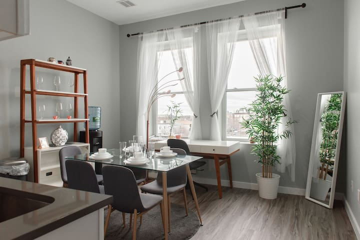 Upscale Apartment in Newark near Sacred Heart Cathedral