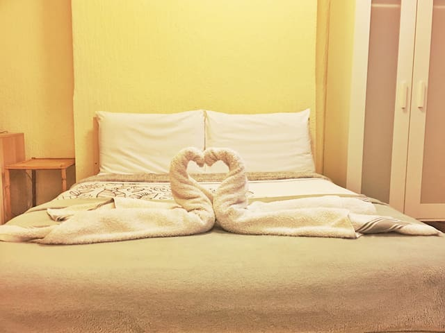 Double room in City Center steps away from Stadium - Cardiff - Apartamento