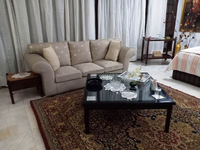 3 seater sofa with table