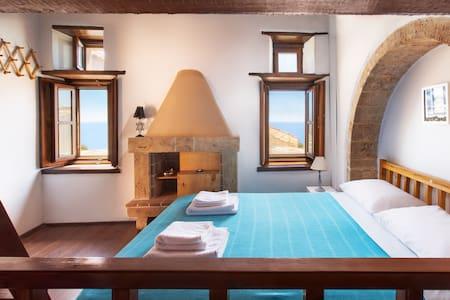 Ypatia Cozy Castle Suite Apartment with Loft
