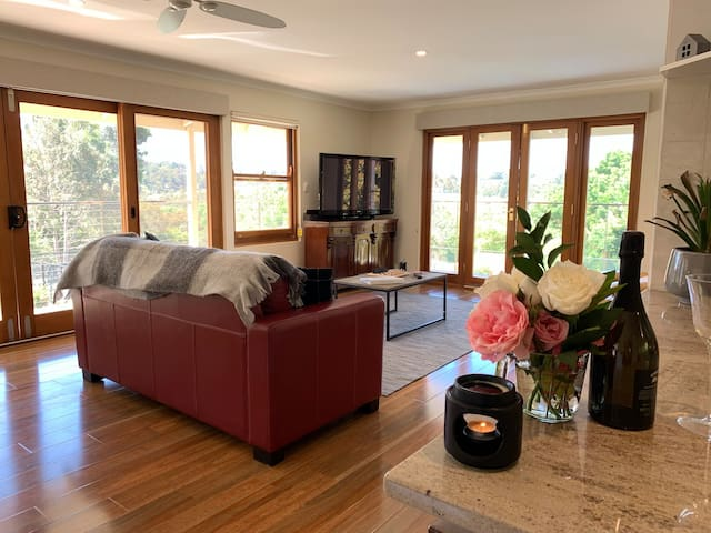 Hahndorf Lodge Luxury Apartment -EXCLUSIVELY YOURS