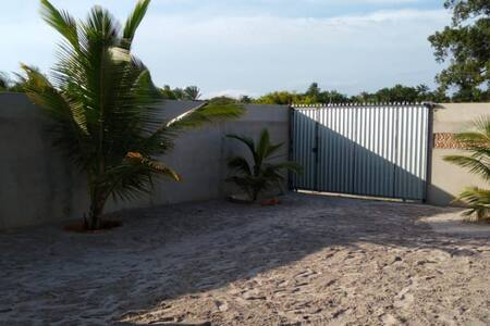 Casa de praia, prox. a praia, ampla, arejada, nova
