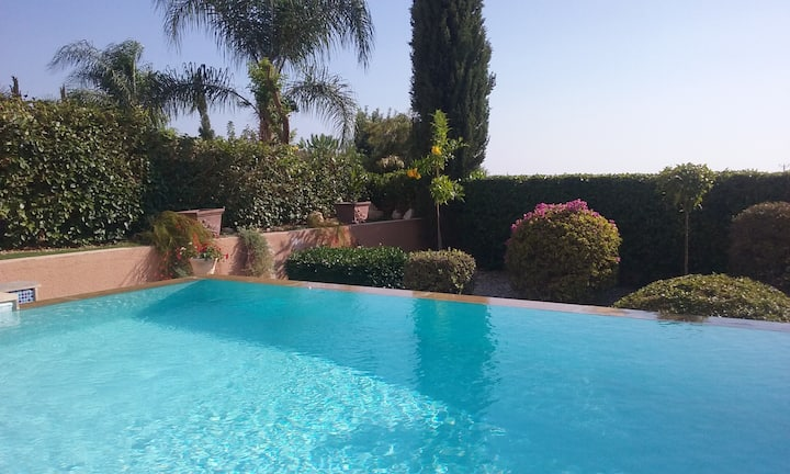 Lovely 3 bed villa with 10x5 private infinity pool