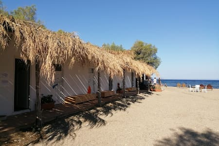 Room on the beach in Gumusluk