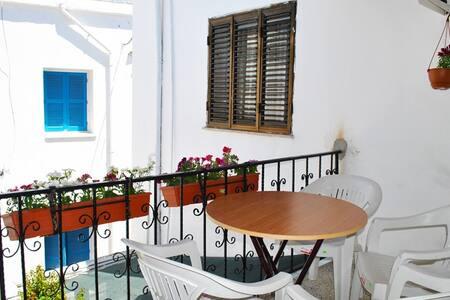 1 Bedroom Apartment Kyrenia Center - Girne