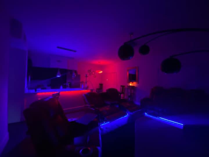 Upper Echelon Paradise Condo(10 min from LV STRIP)