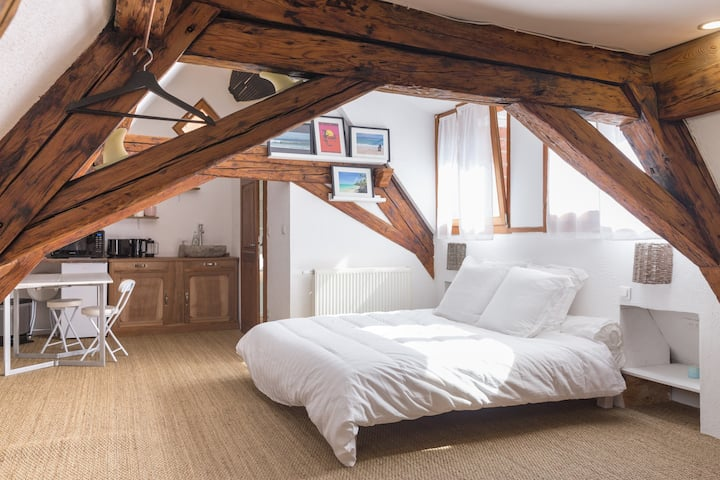 SURF STUDIO, lit King Size, maison alsacienne