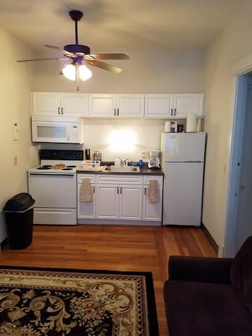Clifton Gaslight - Cozy 1 Bedroom on Ludlow Ave - ซินซินแนติ - อพาร์ทเมนท์
