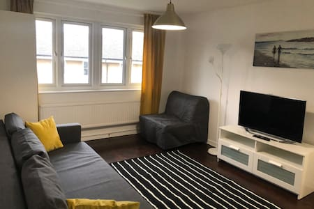 Large Entire Flat in Camden/King's Cross