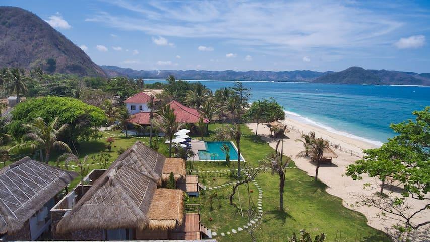 Segara Lombok - Traditional bungalow, ocean view