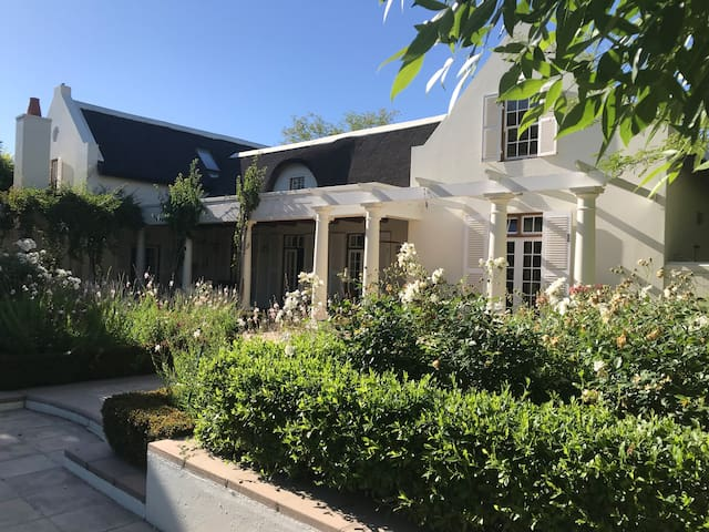 Shades of Africa Guesthouse Paarl
