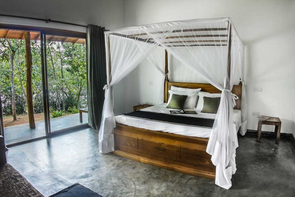 King Size Bed - Bamboo room