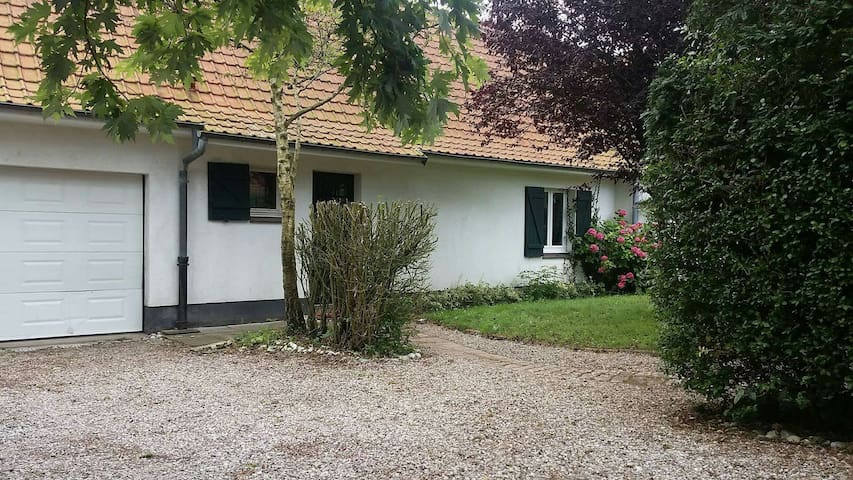 Beautiful house inpeaceful location - Saint-Inglevert - Huis