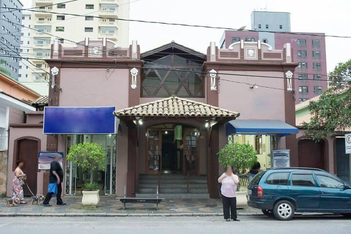 Hotel Colonial dos Nobres - Poços de Caldas - Albergue