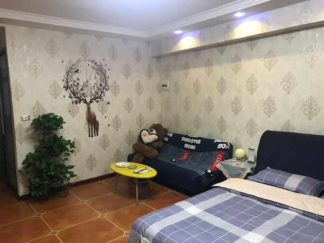 寓•见简欧时尚大床房(万熹店)