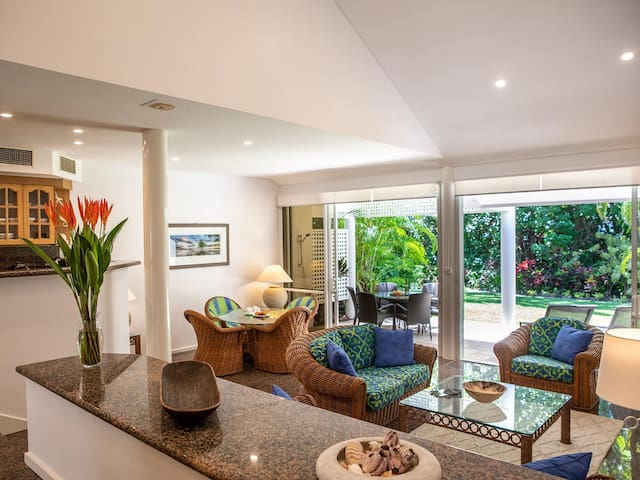 Port Douglas Mirage Villa#431- Absolute Beachfront
