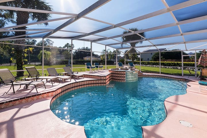 RESERVE - 3 Bed - Best Swimming Pool EVER !