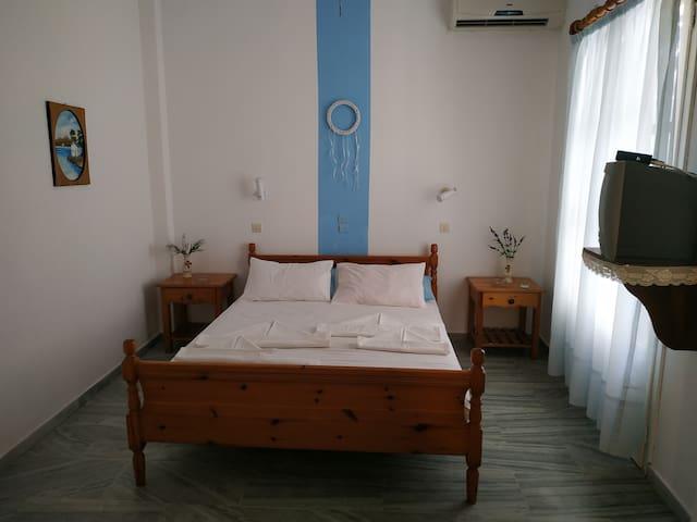 Διαμέρισμα 30 μέτρα από την παραλία του Λογαρά