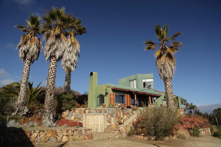 Casa full equipada en Rocas de San Andres .