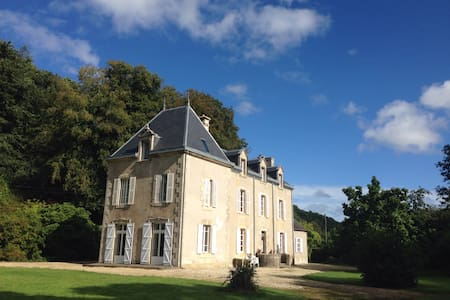 Large property in the countryside - Taule