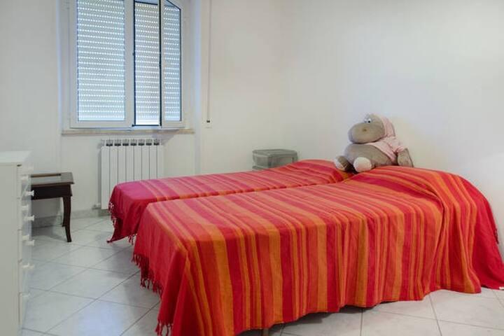 Casa Bicocchi, stanza con 2 letti a 5 min dal mare - Follonica - 公寓