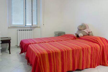 Casa Bicocchi, stanza con 2 letti a 5 min dal mare - Follonica