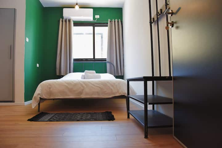 LEVONTLV 4 -YOUR HOME AWAY FROM HOME