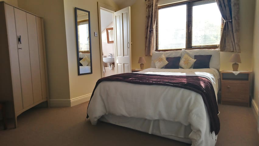 Limestone Lodge double room (5)