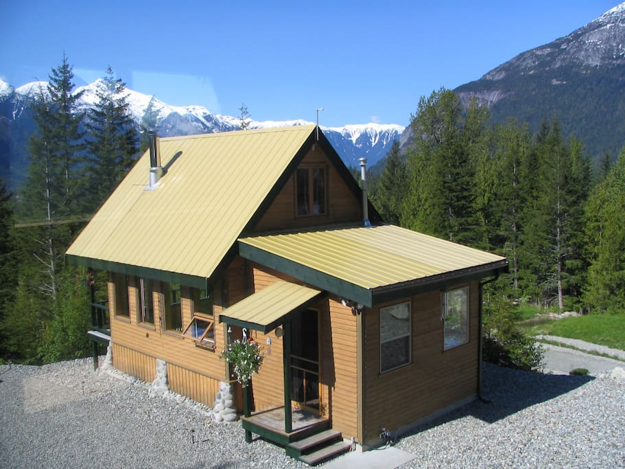 John 39 s perch cabin loft apartment chalet in affitto a for Cabine in affitto a victoria bc