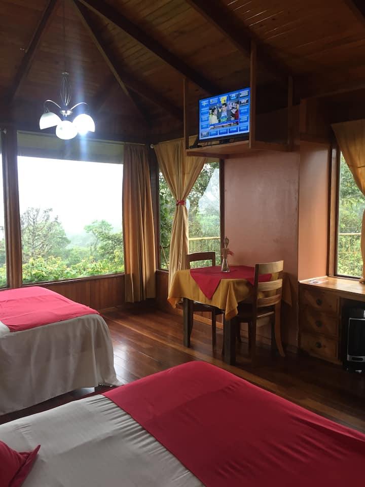 Habitación con vista al Volcán en Tiquicia Lodge.