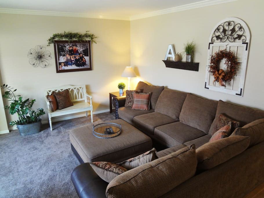 Comfy Sectional seats 6 - 8 for Movie Watching!