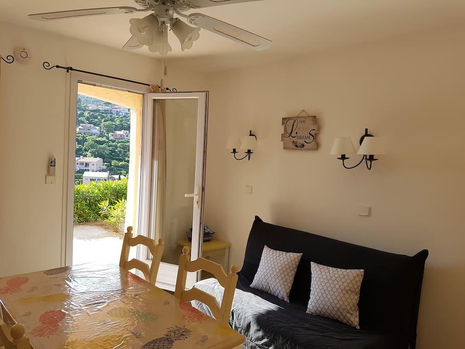joli meubl de tourisme r sidence la corniche appartements en r sidence louer les. Black Bedroom Furniture Sets. Home Design Ideas