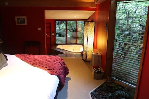 Linden Gardens Rainforest Retreat - Linden Cottage