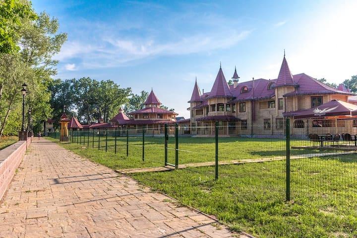 Загородный комплекс Форт Пирнов Парк (номера)