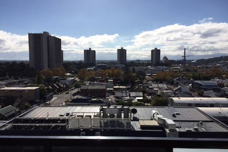 Modern Top Floor Apartment minutes from CBD - Richmond - Apartment