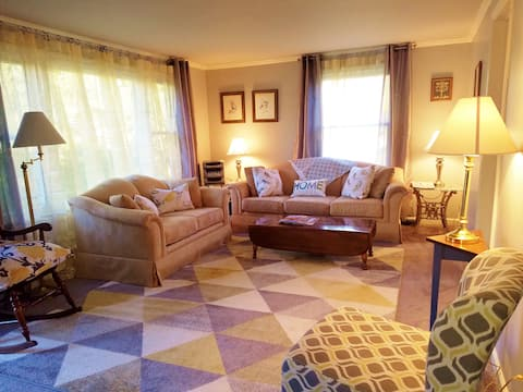 Executive Style 3 Bedroom Private Apartment